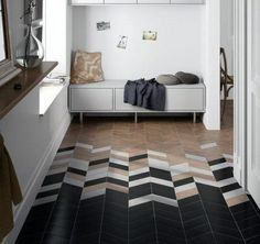 Chevron is a very popular pattern to use, especially for home décor, it's timeless and easily fits any interior. Here are the best ideas to use chevron. Chevron Tile, Chevron Floor, Herringbone Tile, Grey Chevron, Geometric Tiles, Floor Patterns, Tile Patterns, Wood Floor Pattern, Transitional Decor