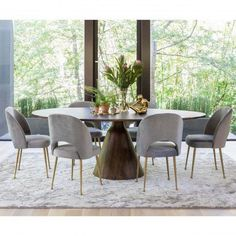 Bronx Oval Dining Table - Focal Point: The Pedestal - Dining Room - Room Ideas Round Dining Table Modern, Circular Dining Table, Modern Dining Room Tables, Luxury Dining Room, Beautiful Dining Rooms, Dining Room Design, Dining Room Furniture, Dining Chairs, Large Dining Room Table