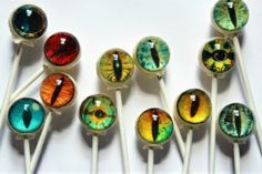 Vintage Confections 6 Suckers Halloween Scary Creature Eyes Lollipops - Great for Decorations, Gifts, Candy, and Gags Casa Halloween, Halloween Food For Party, Holidays Halloween, Halloween Treats, Happy Halloween, Halloween Decorations, Creepy Halloween, Halloween Clothes, Halloween Ornaments