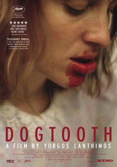 Een erg vreemde film met interessante scenes. erg verontrustend, maar toch blijf je kijken. - Dogtooth - 2009