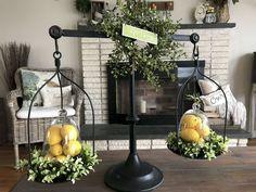 Lemon decor - 70 Best Farmhouse Spring Decor and Design Ideas – Lemon decor Country Farmhouse Decor, Farmhouse Style Kitchen, Modern Farmhouse Kitchens, French Country Decorating, Modern Country, Farmhouse Ideas, Vintage Farmhouse, Country Kitchen, Home Decor Trends