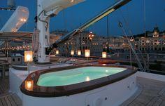 Perini Navi Luxury Yacht Rosehearty - Jacuzzi #luxury #yacht #jacuzzi #ideas