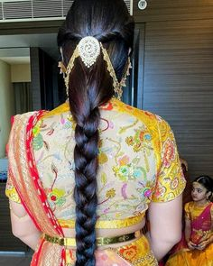 Cutwork Blouse Designs, Best Blouse Designs, Bridal Blouse Designs, South Indian Wedding Hairstyles, Indian Hairstyles, Gold Hair Accessories, Hair Decorations, Long Braids, Cute Girl Face
