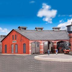 #rotonde à #locomotives #HO #Kibri A retrouver ici : http://www.latelierdutrain.com/rotondeposte-d-aiguillageremise-et-halle-marchandises/100129-rotonde-a-locomotives-ho-1-87-kibri.html