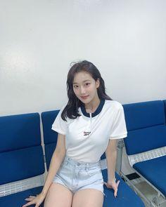 Korean Women, South Korean Girls, Korean Girl Groups, Extended Play, Yoon Sun Young, Red Velvet Joy, Cute Japanese Girl, Ulzzang Korean Girl, School Uniform Girls