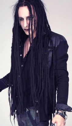 Finaly i found a goth with dreads :P I almost thought i where the only one XD