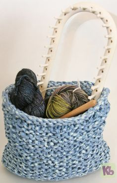 Basket with yarn and loom small