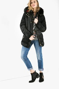 Just because the temperature is dropping, doesn't mean your style has to take a hit. You can wear any outfit you want under this warm padded parka. Keep it urban with some rolled up boyfriend jeans, or glam it up with your favorite dress!