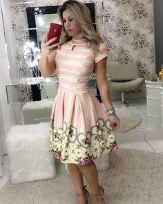Apaixonada por esse dress estilo Ladylike. 😍👗❤️ . . Disponível para pedidos🛍️ Tamanhos: P, M e G. Enviamos para todo Brasil 📦 Aceitamos cartões. 💳 . . #modaevangelica #modafeminina #ladylike #cute #chic #princess #floribelastore #corre #poucaspeças #luxo #qualidadedeboutique Girls Dresses, Summer Dresses, Church Outfits, Fashion Outfits, Womens Fashion, Pretty Dresses, Vintage Dresses, Cute Outfits, Clothes For Women