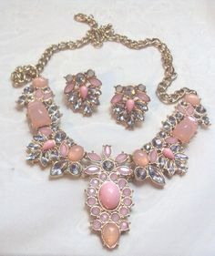 Diva Pink Glass and Grey ? Clear Crystal Adjustable Necklace Set   $40.00