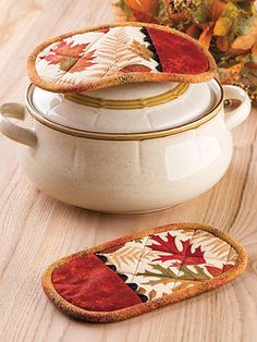 """Finger Pot Holders Pattern. Each pot holder measures 4 x 7 1/2"""" and Insul-brite protects"""