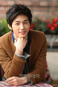 Name: Lee Won-Geun Hangul: 이원근 Born: June 1991 Birthplace: South Korea Height: 187 cm. Korean Men, Korean Star, Asian Actors, Korean Actors, Korean Dramas, Lee Won Geun, Korean Celebrities, Celebs, Sassy Go Go