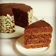 Tarta de chocolate y almendras (vegano)