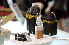 Premiers Flocons, boutique éphémère de créateurs, dans le centre commercial Les 4 B à Calais. Ouvert jusqu'au 24 décembre. madeincalais.blogspot.fr/ www.facebook.com/madeincalais #noël #popupstore #crafts #displays #shop #boutique #créateurs #christmas #kiboochan
