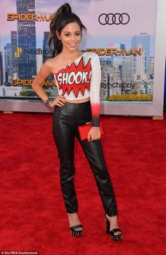Shake it up! Jenny Ortega embrace comic book vibes with a graphic off-the-shoulder top bearing a word bubble with the phrase 'shook' along with a perky pony and leather pants Jennifer Aniston Style, Jenna Ortega, Girl Outfits, Cute Outfits, Teen Girl Poses, Tv Girls, Karen Gillan, Cute Bikinis, Zendaya