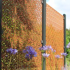Ideas for garden screen panels fence Cute Home Screen Wallpaper, Cute Home Screens, Metal Garden Screens, Metal Screen, Metal Fences, Metal Fence Panels, Garden Fence Panels, Fence Art, Burford Garden Company