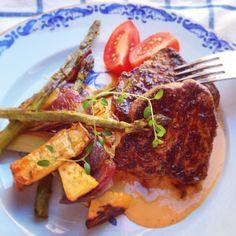 Rostbiff med gorgonzolasås och ugnsbakade grönsaker