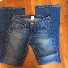 "True religion bobby godiva denim Inseam 33"" , bottom leg 10 1/2"" , size 29 (6,7) , 100% cotton and great condition , you will happy when see it ❤️ True Religion Jeans"