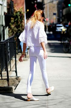 Breezy eyelet top and white skinny jeans