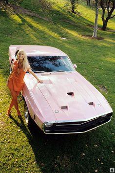 Růžová auta pro Playmates
