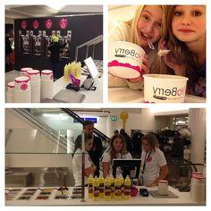 "@yoberry1's photo: ""Da er YoBerry på Steen & Strøm Oslo klar for frozenyogurt fans:) #froyo#kulinaris#steen&strømmagasin#julehandel#supergodt#fatfree#frozenyogurt#is#"""