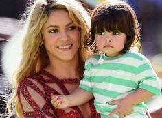 Shakira: Αγκαλιά με τον γιο της, Milan Pique στον τελικό του Μουντιάλ! Φωτογραφίες  http://miss.gr/shakira-aggalia-me-ton-gio-tis-milan-pique-ston-teliko-tou/