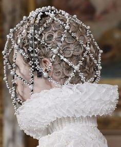 Alexander McQueen autumn/winter 2013-2014 ~ so Elizabethan