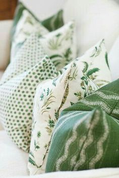 This green would be nice to! Home decor ideas and Spring interior design inspiration! Green pillows look fresh and gorgeous on a white sofa. Coastal Living Rooms, Green Decor, Pillows, Home Decor Fabric, Cottage Interiors, Fabric, Coastal Decor, Green Pillows, Home Decor