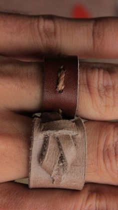 7 Scrap Leather Projects : 10 Steps (with Pictures) - Instructables Diy Leather Rings, Diy Leather Bracelet, Handmade Leather Jewelry, Leather Gifts, Leather Books, Handmade Bracelets, Leather Art, Diy Leather Projects, Leather Crafting