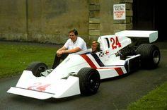 1975, presentation Hesketh 308c!!! James Hunt and Lord Hesketh!!!!