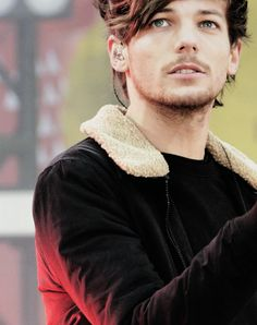 winter louis looks so cuddlyyyy