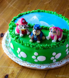 Ryhmä Hau -kakku Deserts, Birthday Cakes, Food, Anniversary Cakes, Postres, Desserts, Hoods, Meals, Birthday Cake