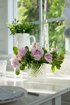 """""""today feels like a cottage kind of day"""" White Cottage, Rose Cottage, Garden Cottage, Fresh Flowers, Beautiful Flowers, Pink Roses, Pink Flowers, Moda Floral, Spring Home"""