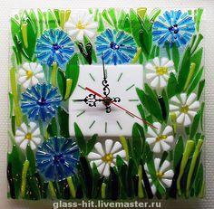 """Watch for home handmade.  Fair Masters - handmade Fyuzing.Chasy.  """"Daisies and cornflowers.""""  Glass .. Handmade."""