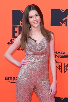 daily event, fashion, lifestyle and social program coverage of the celebrities. Online Photo Gallery, Music Awards, Mtv Music, Roxy, Celebrities, Dresses, Singers, Tube, Idol