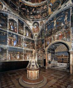 Battistero del duomo di Padova. Affresco (1374-78) : nell'abside il Polittico, sempre di Giusto de' Menabuoi.