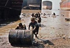 Eisenfresser von Shaheen Dill-Riaz.  Ein Dokumentarfilm aus der kulturellen Filmförderung 2004.