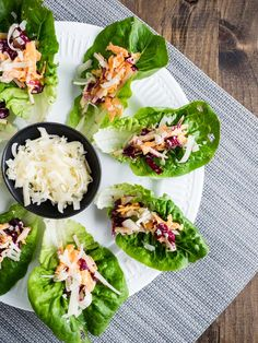 Caesar Salad Lettuce Cups is part of Winter Vegetarian appetizers - These caesar salad lettuce cups are the perfect appetizer! Easy, gluten free finger food to help you get more vegetables Vegetarian Finger Food, Vegetarian Appetizers, Appetizer Salads, Healthy Appetizers, Appetizer Recipes, Vegetarian Recipes, Salad Recipes, Vegetable Appetizers, Chicken Appetizers