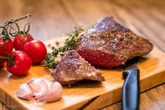Steak Sous vide Garen ist derzeit ein Foodtrend. Wie ihr Sous vide im TMeinfach und lecker selbst zubereiten könnt, erfahrt ihr hier im Rezept.