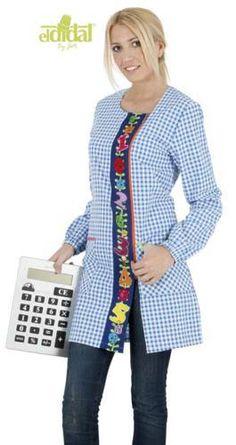 Resultado de imagen para uniformes para maestras de preescolar Sweaters, Outfits, Fashion, Kindergarten Teachers, Wool Yarn, Create, Projects, Manualidades, Moda