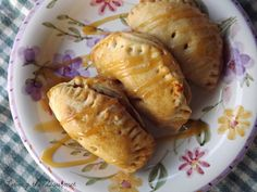 Living the Gourmet: Caramel Apple Hand Pies & A New Giveaway!
