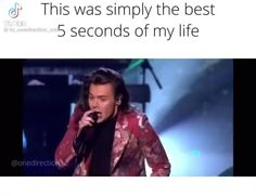 Harry Styles Funny, Harry Styles Live, Harry Styles Pictures, Harry Edward Styles, One Direction Videos, One Direction Harry, One Direction Humor, One Direction Pictures, Roman Kemp