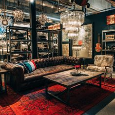 Named after the enduring British institution, the Westminster Button sofa's commanding yet reassuringly familiar presence lends real gravitas to a room. Pub Interior, Interior Decorating, Interior Design, Loft Design, House Design, Button Sofa, Whiskey Room, Music Studio Room, Cigar Room