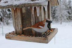 A house sparrow felt ornament pattern.