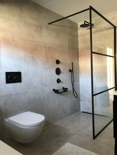 Tiny Bathrooms, Bathroom Spa, Bathroom Toilets, Bathroom Renos, Bathroom Layout, Modern Bathroom, Small Bathroom, Bathroom Lighting Design, Bathroom Design Luxury