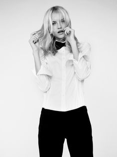 Black bow tie, white shirt and black pants. Perfection! #style #fashion
