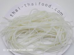 Senjan Reisnudeln Thai Recipes, Coconut Flakes, I Foods, Noodles, Spices, Pad Thai Recipes, Rice Noodles, Macaroni, Spice