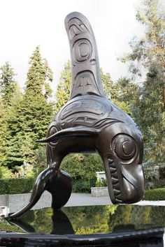 "Killer Whale Bronze sculpture ""Chief of the Undersea World"" by Haida Artist, Bill Reid. This great bronze killer whale is at the entrance to the Vancouver Aquarium Marine Science Centre, in Stanley Park, Vancouver, BC. Arte Haida, Haida Art, American Indian Art, Native American Art, Native Canadian, Undersea World, Tlingit, Inuit Art, Native Design"