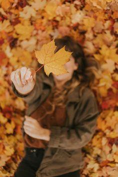 Portrait Photography Poses, Photography Poses Women, Autumn Photography, Creative Photography, Photography Ideas, Space Photography, Fall Pictures, Fall Photos, Photo Profil Instagram