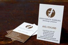 "Design business card ""Direktdruck Hamburg"". Print: Finest Letterpress in 640gsm Fedrigoni Fabriano Artistico extra white | Letterpress Manufaktur Hamburg #visitenkarten #buchdruck #Logo"